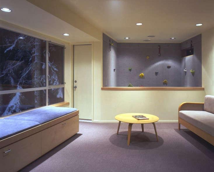Seattle-based architect Eric Cobb designed this Cascade Lake house
