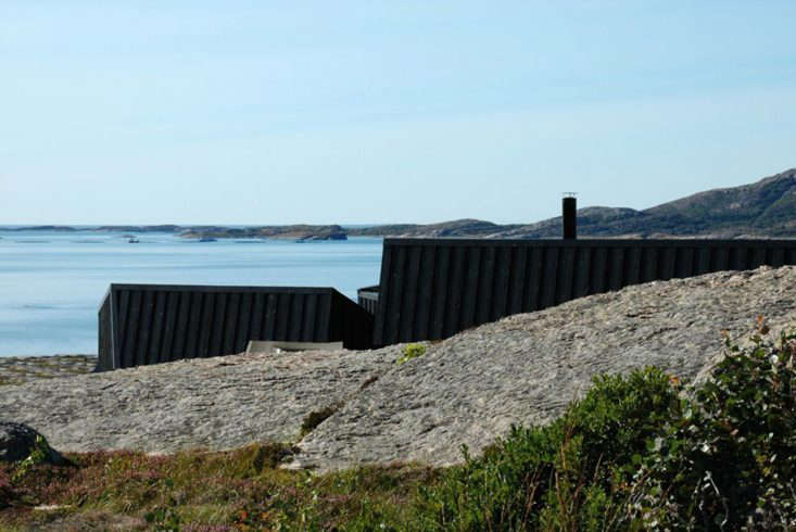 Vardehaugen Architects designed this family retreat off the coast of Norway