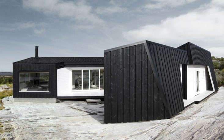 Vardehaugen Architects designed this family retreat near Fosen