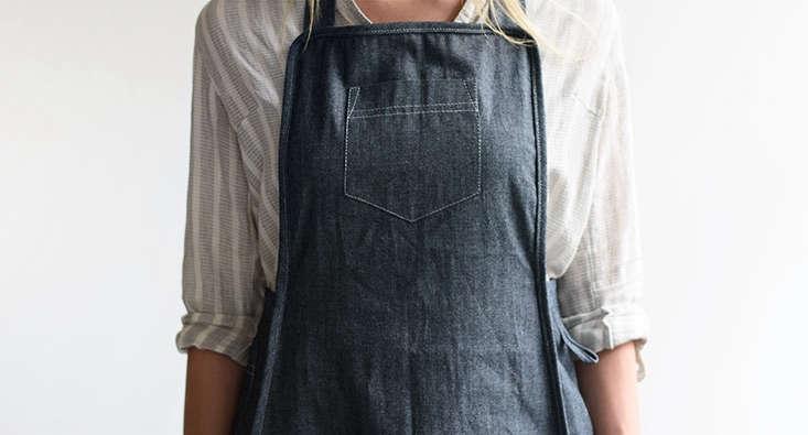 ladies-1-cotton-stripe-cross-back-apron-gardenista