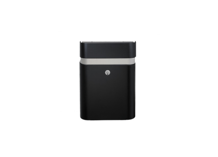 From Copenhagen-based Seidenfaden Design, aMEFA Judo mailbox has a \10-year guarantee against rusting and is available in three colors, including jet black. See MEFA for information and prices.