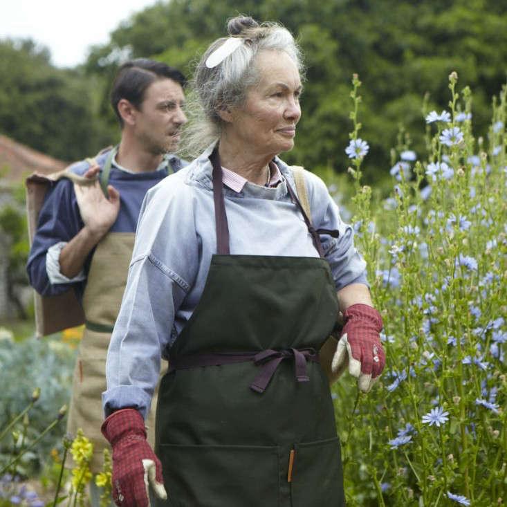 carrier-company-gardeners-long-apron
