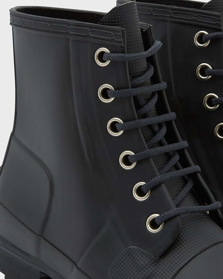hunter-lace-up-garden-boots-gardenista
