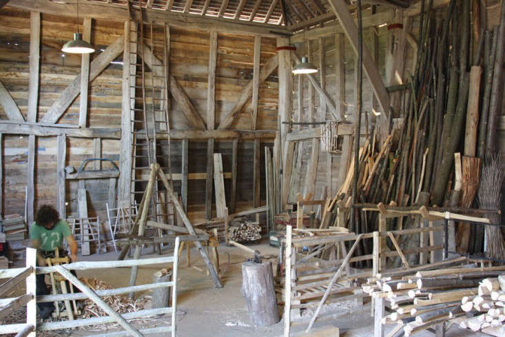 wooden-furniture-great-barn-Great-Dixter