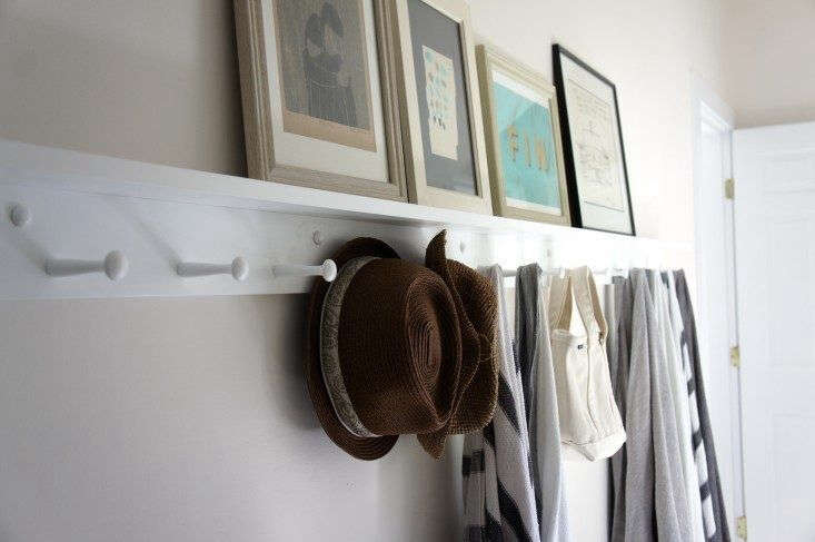 AWhite Peg Rack With Shelf is available in seven lengths (with from three pegs to ten pegs), at prices from $69 to $9 depending on size from Peg & Rail. Photograph by Christine Chang Hanway.