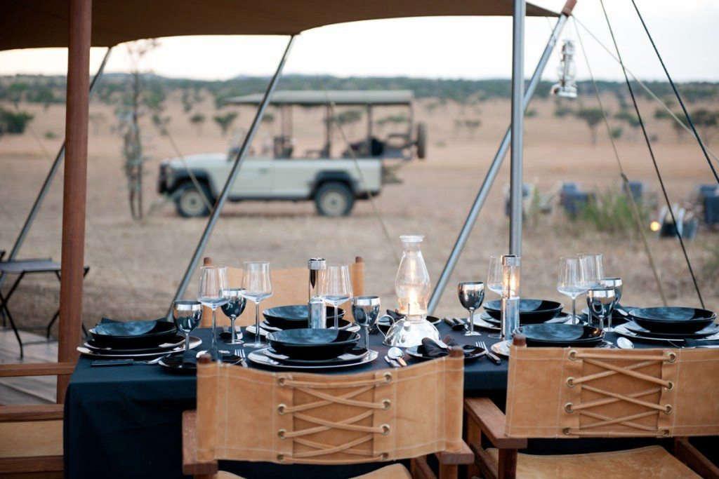explore-singita-campign-tents-meals
