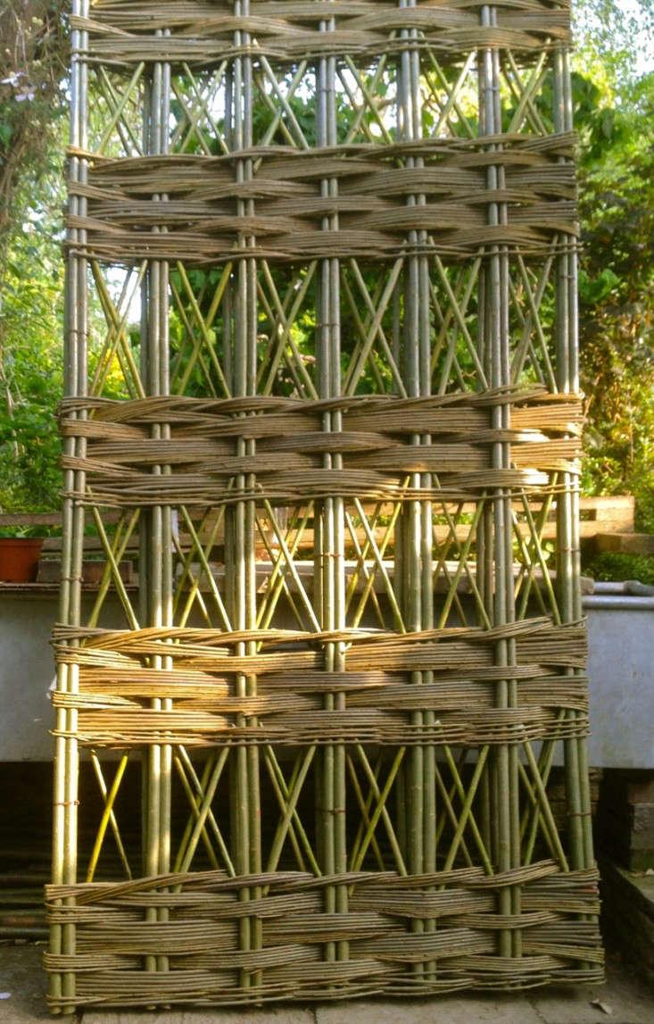 woven-garden-trellis-panel-gardenista