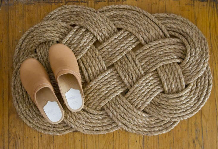 Photograph by Erin Boyle. For more, see DIY: Woven Rope Doormat.