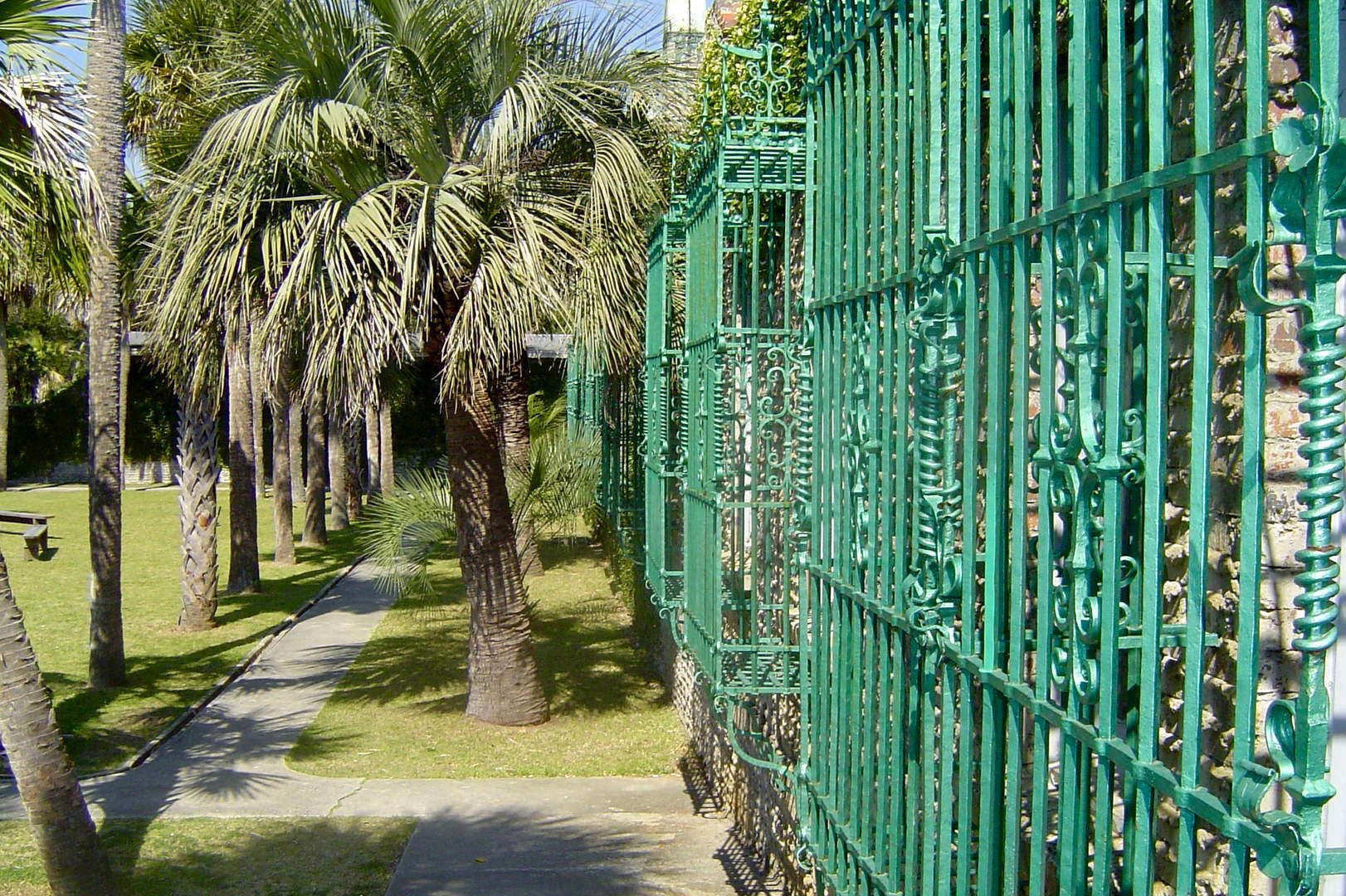 atalaya-green-window-bars-doug-coldwell-wikimedia
