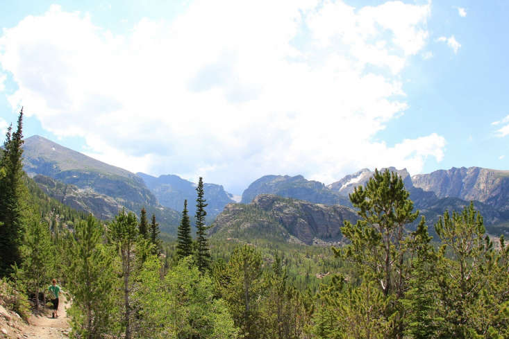 Longs Peak Colorado by Daveynin via Flickr.