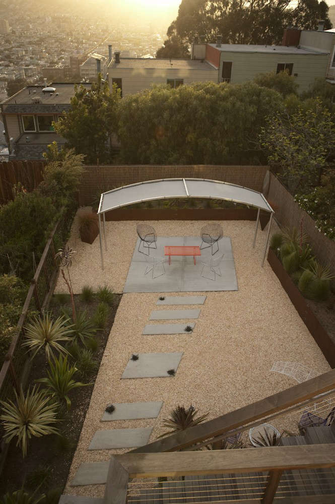 san-francisco-garden-gravel-concrete-shade-shade-pergola-gardenista