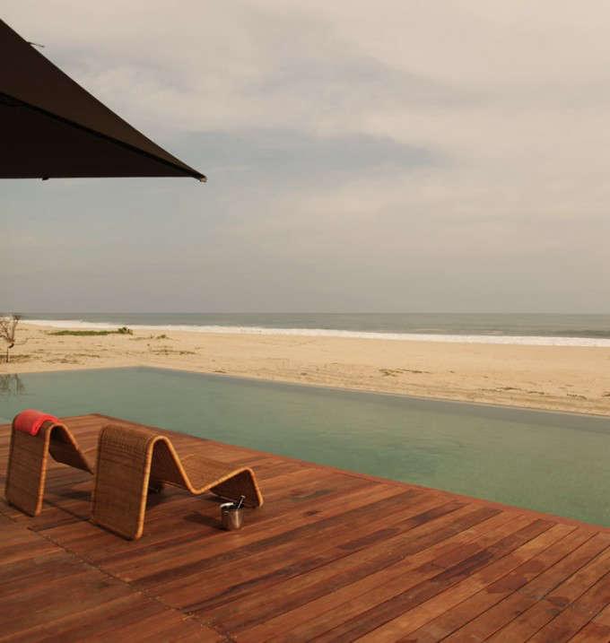 hotel-escondido-swimming-pool-wooden-deck