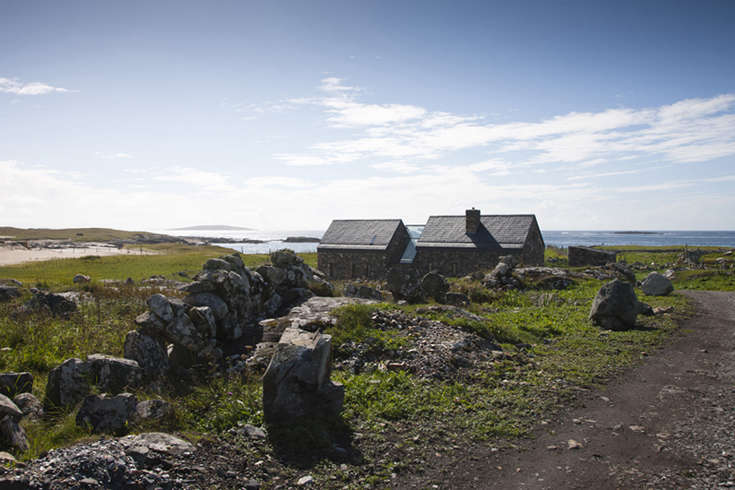 connemara-stone-cottages-ireland-peter-legge-gardenista