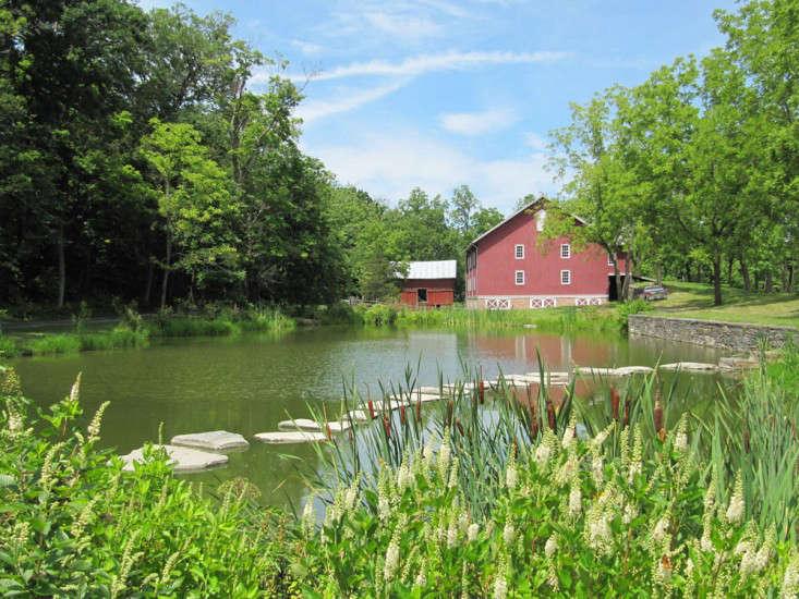 Wisniewski-hudson-valley-farm-barn-landscape-pond-9