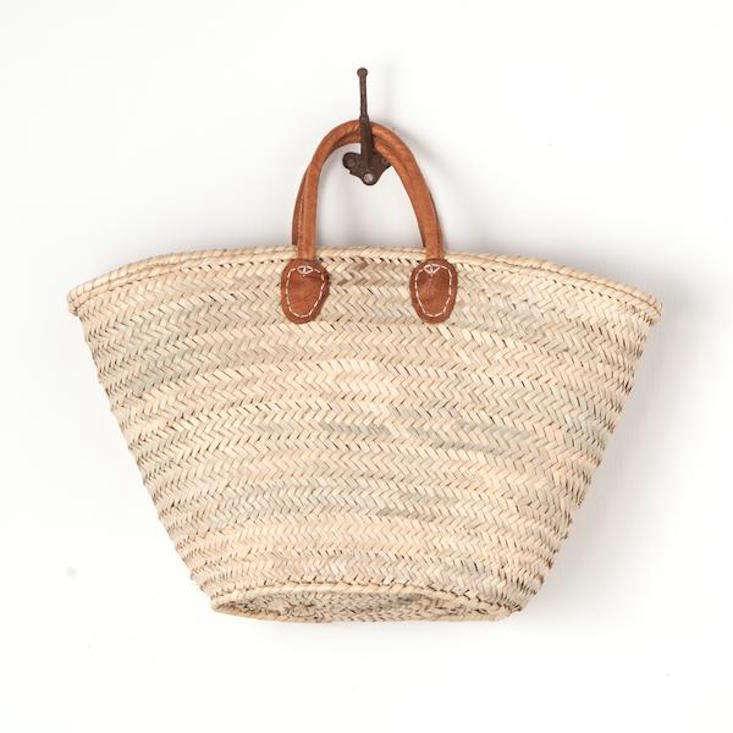 woven-market-tote-leather-handles-gardenista