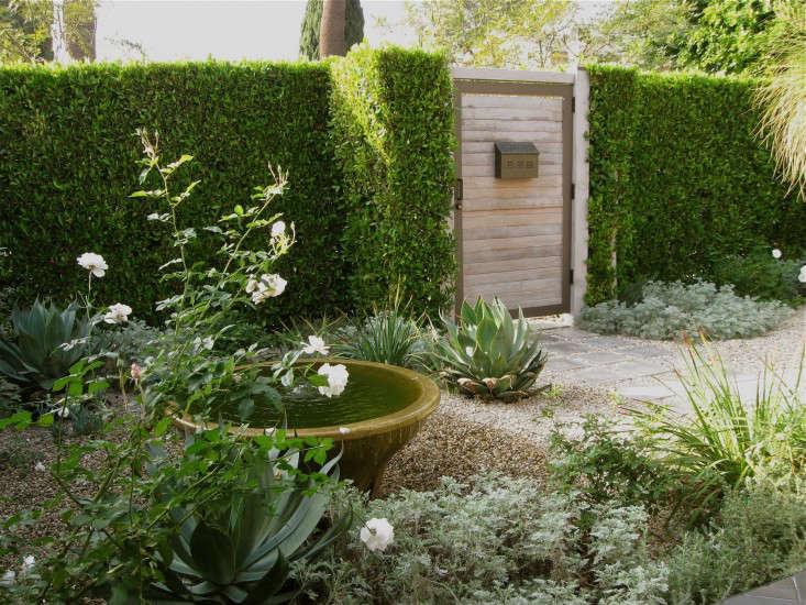 naomi sanders garden gate l Gardenista