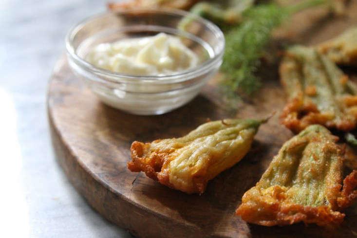 fried-squash-blossom-tempura