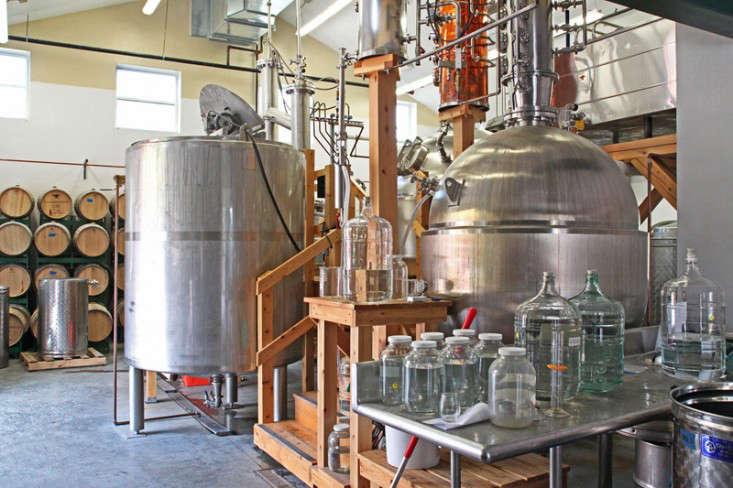 Caledonia-Spirits-Distillery3-Justine-Hand