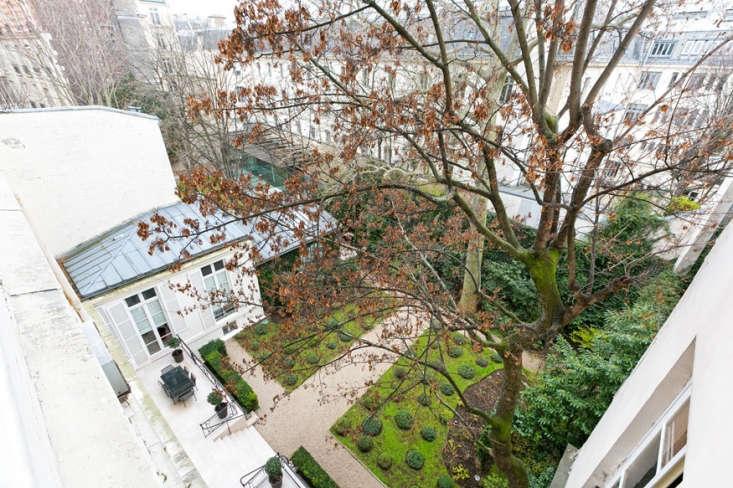 Paris courtyard by A+B Kashsa.