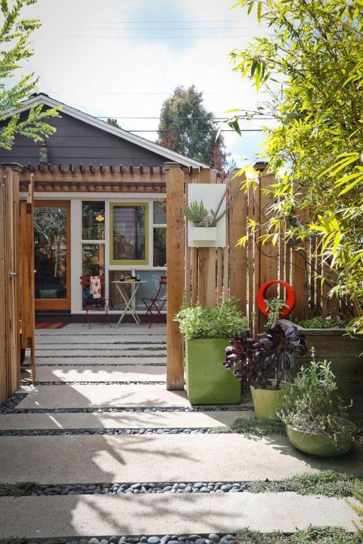 annette-garage-remodel-LA-1-gardenista-733x1100