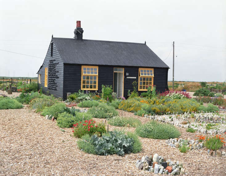 One of England&#8\2\17;s best-loved gardens is filmmaker Derek Jarman&#8\2\17;s wildflower cottage garden in Kent. See more of it in Garden Visit: Derek Jarman&#8\2\17;s Prospect Cottage at Dungeness.