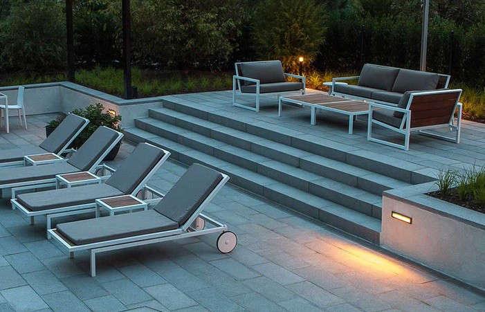 Gunn-Landscape-architecture-wall-lights-patio-Gardenista