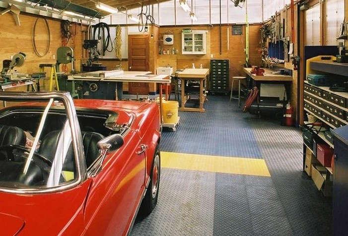 Harrison-Architect-Garage-Interior-Flooring-Tiles-Gardenista