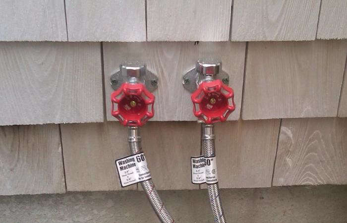 Side-by-side hot- and cold-water faucets. For information and prices of the company&#8\2\17;s custom-built showers, see Cape Cod Outdoor Shower Company.Photograph viaCape Cod Outdoor Shower Company.