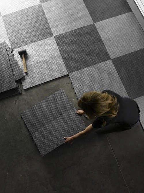 Intalling-Garage-Flooring-Tiles