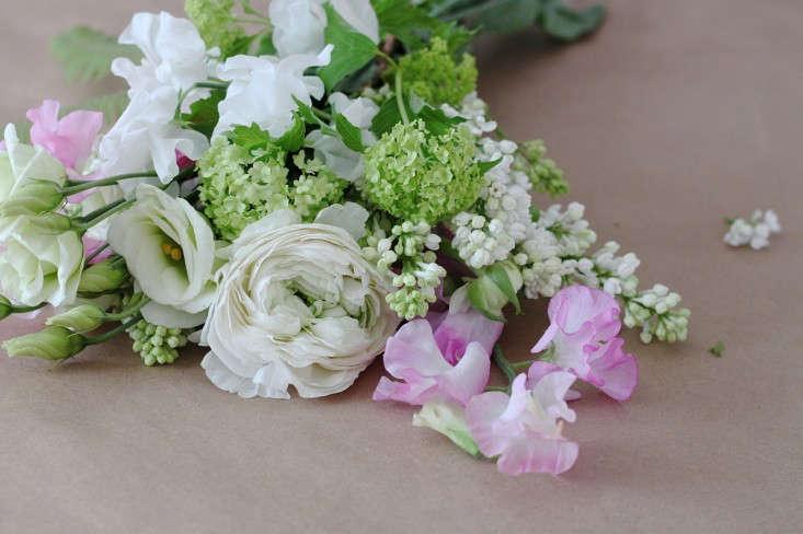 Ode-to-Spring-Bouquet-flowers-Justine-Hand-Gardenista