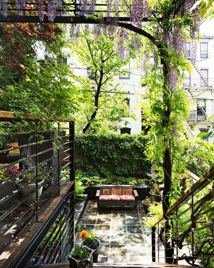 Park-Slope-Covered-Garden-by Kim-Hoyt_Gardenista