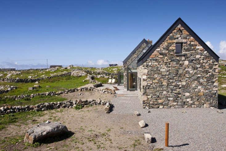 Peter-legge-connemara-galway-stone-cottages-exterior-gardenista