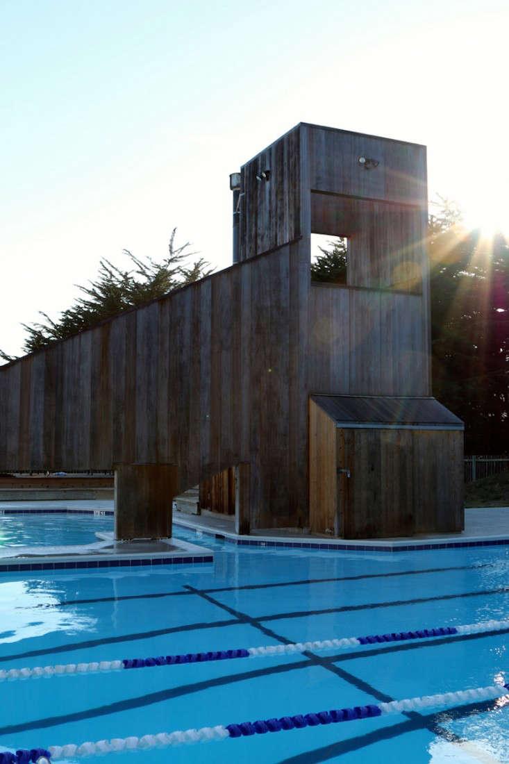 Sea-Ranch-Pool-Center-Meredith-Swinehart-Gardenista-13