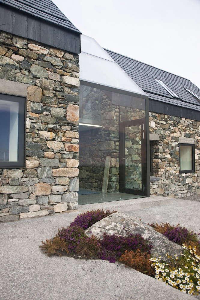 Slate-Roof-Peter-Legge-Associates-Ireland-Gardenista