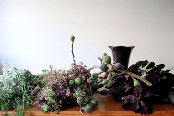 Sophia_Moreno_Bunge_Gardenista_Arrangement_Materials