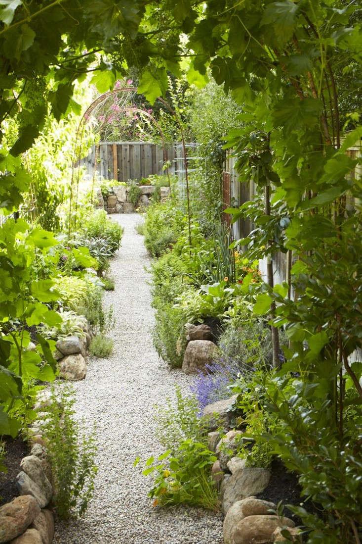 Star-Apple-Edible-Gardens-2014-Gardenista-Considered-Design-Awards