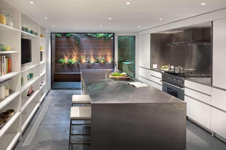 West-Village-Townhouse-Living-Wall-Garden-kitchen-Gardenista
