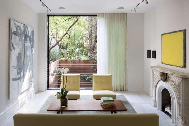 West-Village-Townhouse-Living-Wall-Garden-living-room-window-Gardenista