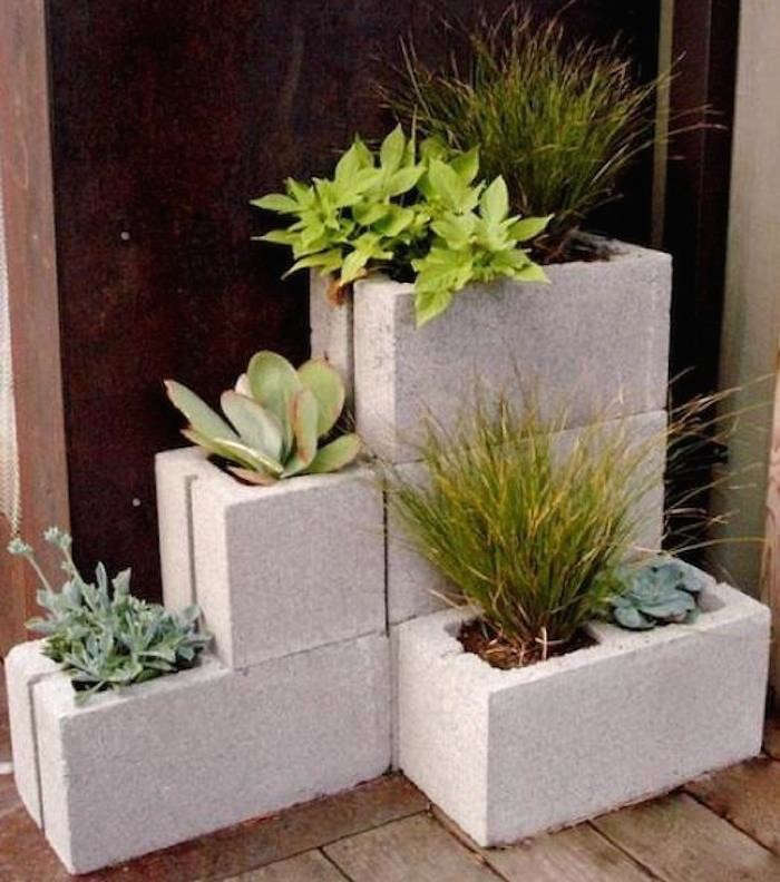 allisons-concrete-corner-planter-gardenista