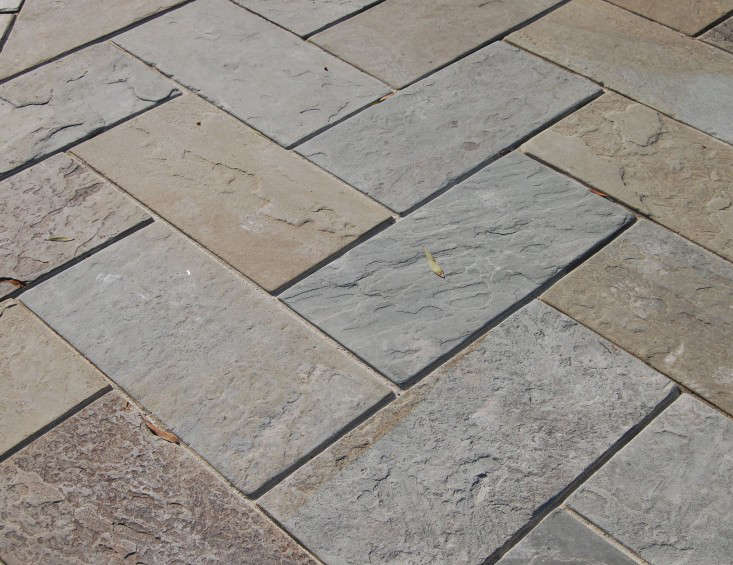 A herringbone pattern in natural cleft, full color. Photograph by Ellen Jenkins.