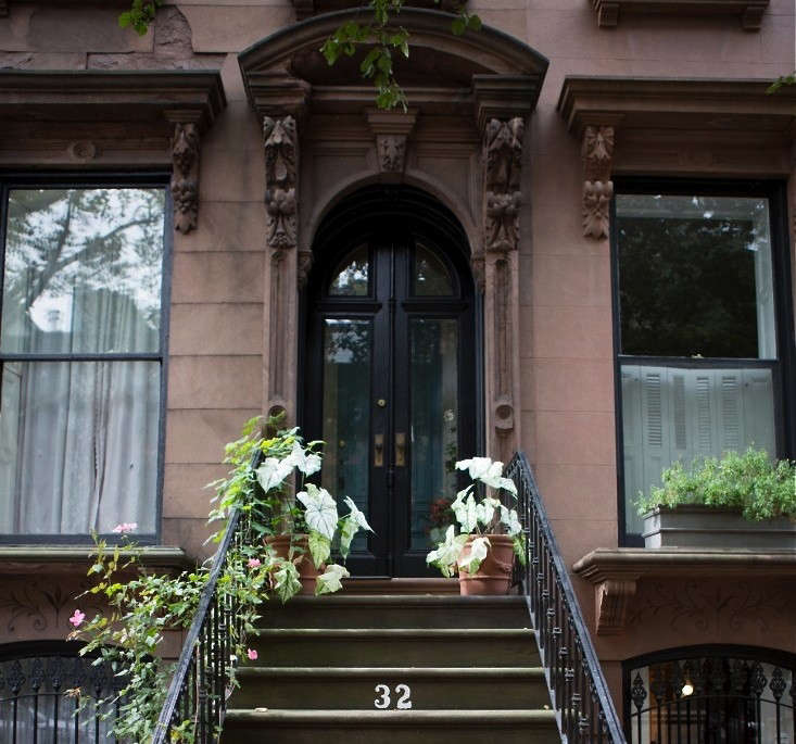 Look no further for Halloween curb appeal: see\15 Ideas to Steal from Brooklyn for Halloween.