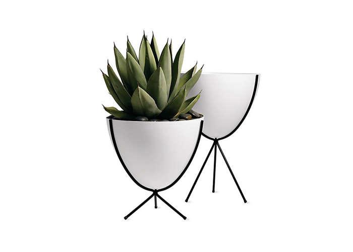 bullet-planter-in-white-gardenista