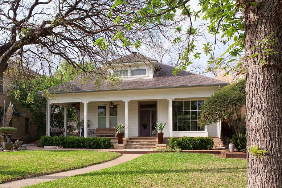 clarksville-facaderenovation_front-gardenista