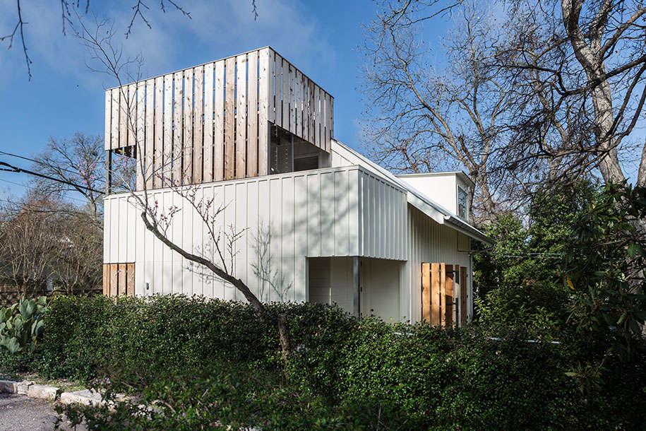 clarksville-outbuilding-facade--alley-side-view-gardenista