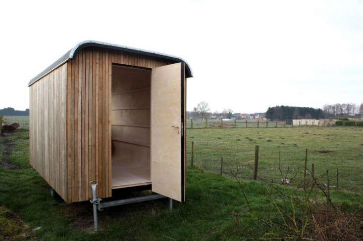 construction-trailer-ghent-gardenista-4
