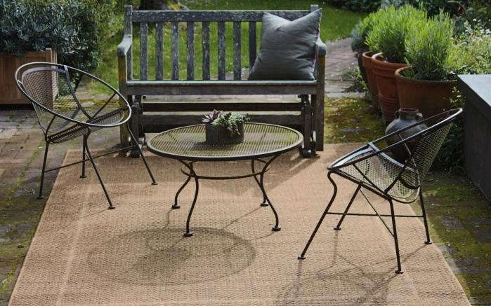 Hardscaping 101: How to Care for Metal Patio Furniture - Gardenista