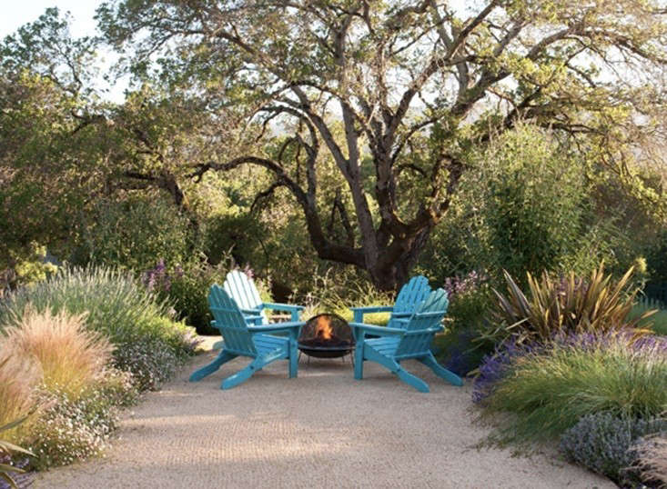 SF-based Arterra Landscape Architects, a member of the Remodelista Architect and Designer Directory, created a spark-resistant setting for a backyard fire pit in Woodside, CA.