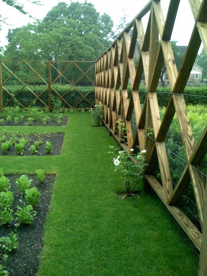 deer-proof-fencing-hamptons-edible-kitchen-gardengardenista