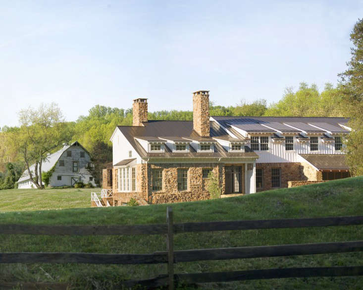 Architect Donald Lococo's new farmhouse for a 100-year-old barn