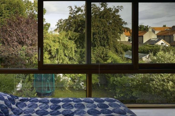 dublin-bedroom-view-indoor-outdoor-garden-house-john-mclaughlin-gardenista.jpg